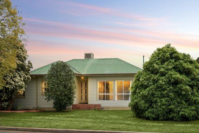 39 Vera Street, Corowa NSW 2646