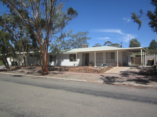 56 Pioneer Drive, Roxby Downs SA 5725