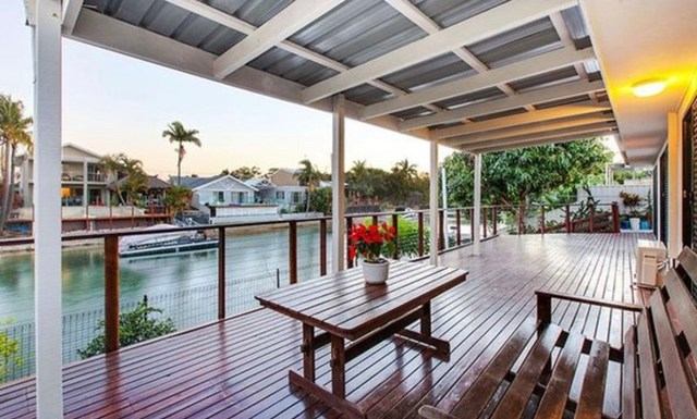 10 Monterey Court, Broadbeach Waters QLD 4218
