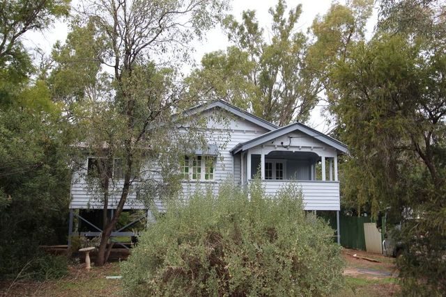 182 Alfred Street, Charleville QLD 4470