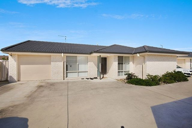 2/24 Kookaburra Court, Yamba NSW 2464