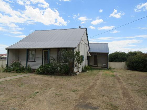 81 Wullamulla Street, Glen Innes NSW 2370