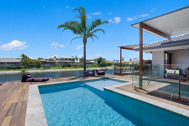 9 Wedgebill Parade, Burleigh Waters QLD 4220