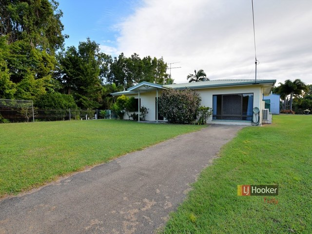23 Casuarina Street, Tully Heads QLD 4854