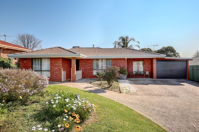 10 Bennett Close, Aberfoyle Park SA 5159