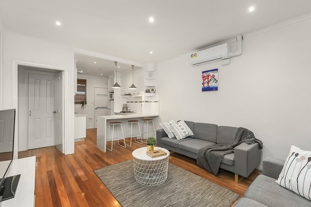 2/10 Cook Street, Brunswick West VIC 3055