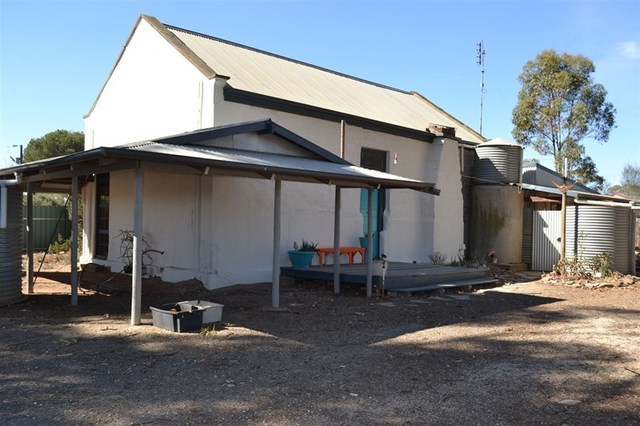 4 Victoria, Black Springs SA 5413