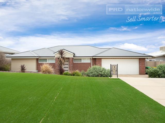 6 Park Place, NSW 2650