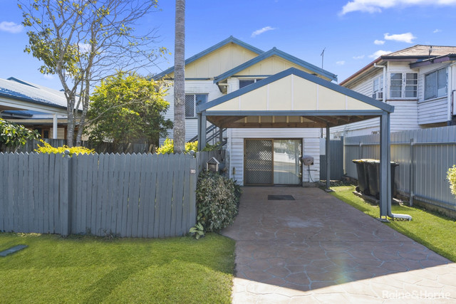 18 Bell Street, Woody Point QLD 4019