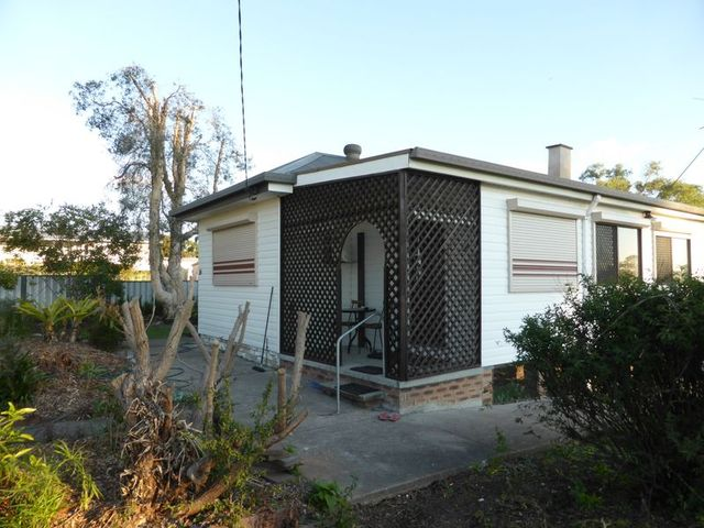 16 Little Park Street, Greta NSW 2334