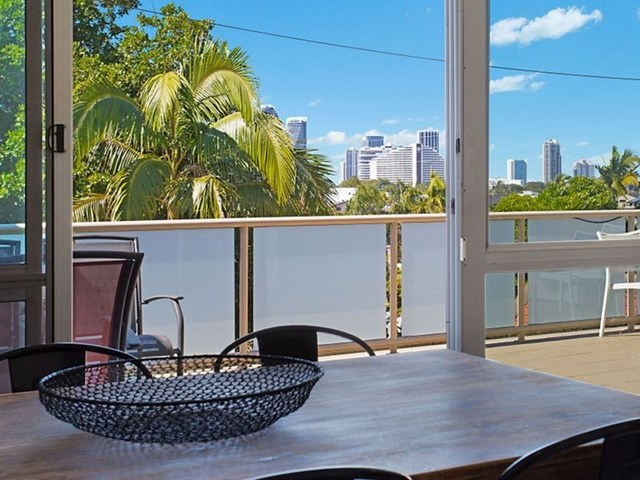 23/111 Rio Vista Boulevard, Broadbeach Waters QLD 4218