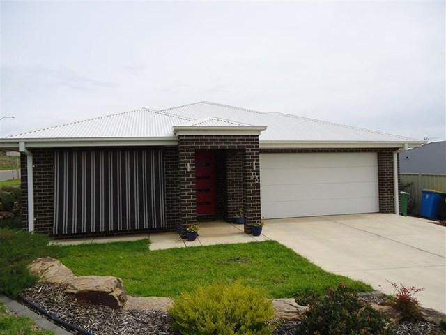 33 Clifton Street, Bourkelands NSW 2650