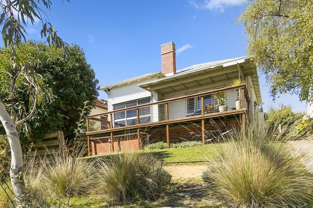 704A Neill Street, Soldiers Hill VIC 3350