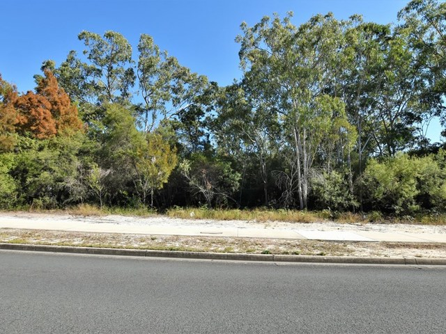 184 Centre Road, Russell Island QLD 4184