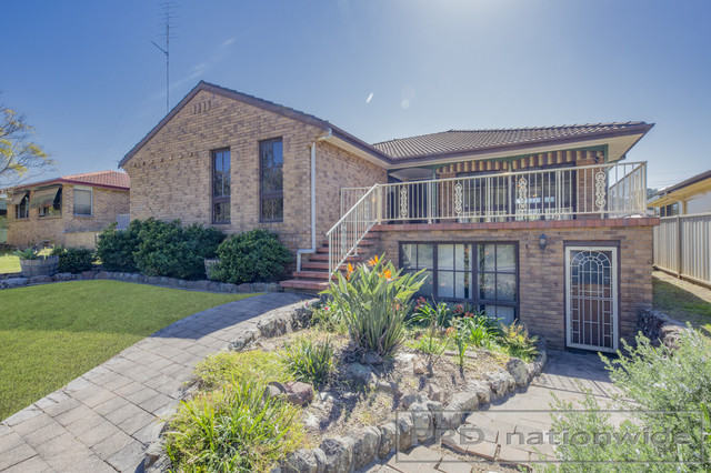 5 Deschamps Cl, Thornton NSW 2322