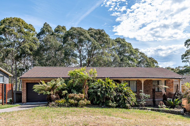 4a Headland Grove, Moruya Heads NSW 2537