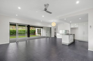 2 Feathertail  Place