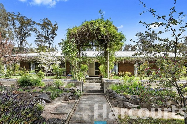 80 Page Road, Smythes Creek VIC 3351