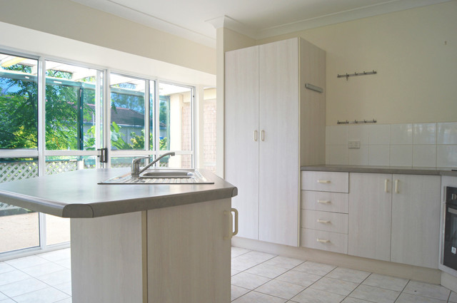 16 Valley Drive, QLD 4802