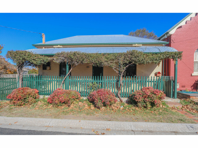 22 Lord Street, Bathurst NSW 2795