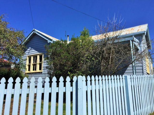 2A Marsh Street, Armidale NSW 2350
