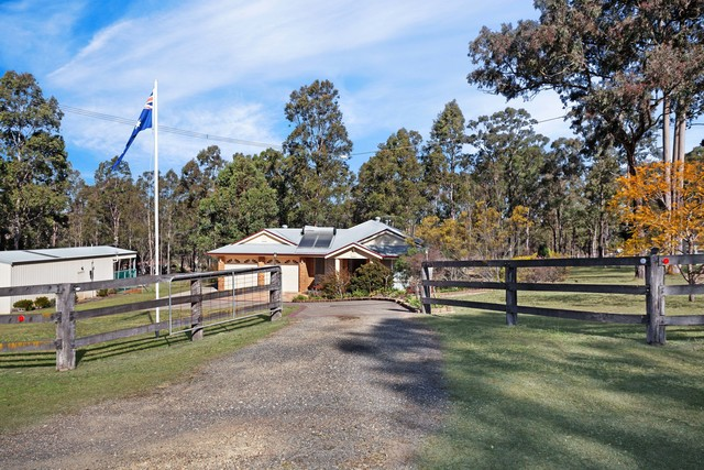 5 Sutton Grove, East Branxton NSW 2335