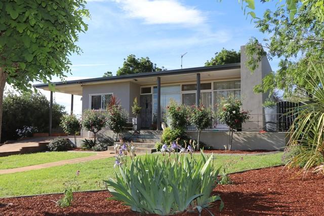 169 Kitchener Road, Temora NSW 2666