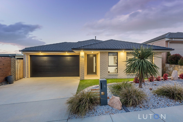16 Bieundurry Street, Bonner ACT 2914