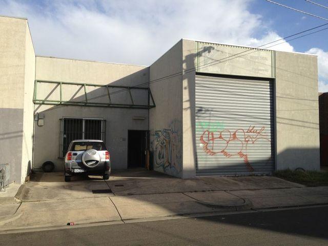 18 Lobb Street, Brunswick VIC 3056