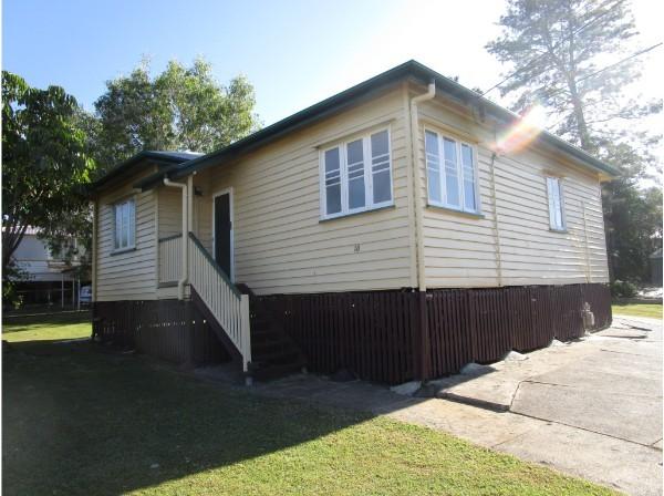 18 Briggs Road, Eastern Heights QLD 4305