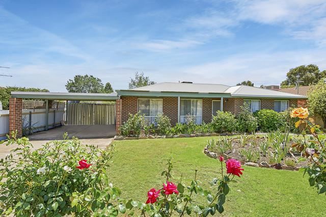 11 Balleroo Crescent, NSW 2650