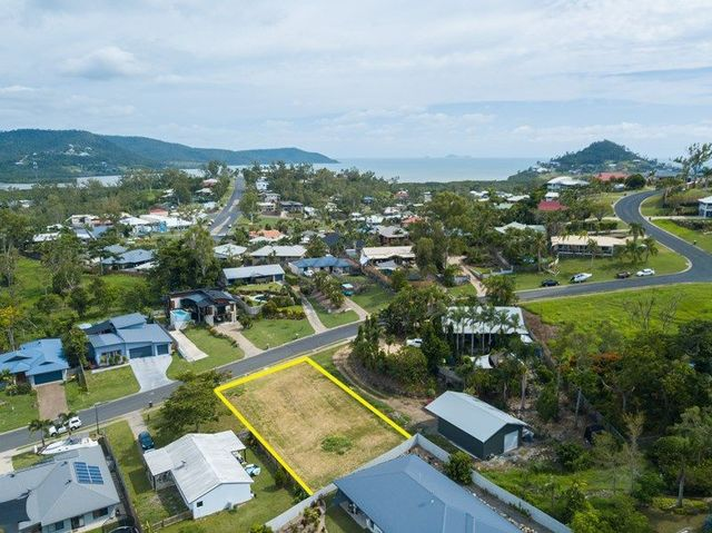 5 Links Drive, Cannonvale QLD 4802