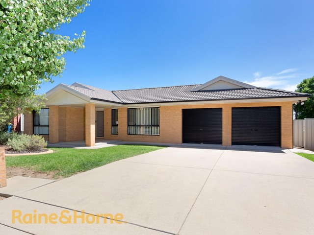 5 Walla Place, Glenfield Park NSW 2650