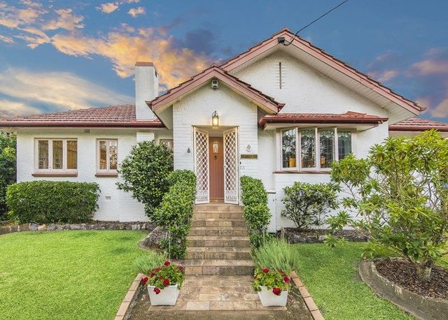 10 Carfin Street, QLD 4007