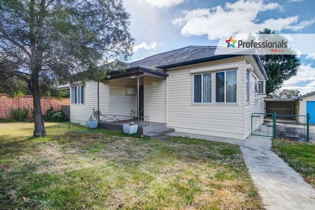 51 Brilliant Street, Bathurst NSW 2795