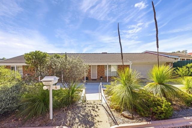 4 Wangara Crescent, Queanbeyan West NSW 2620