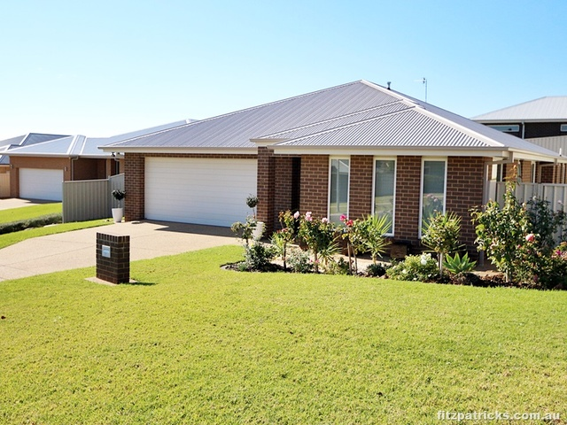 23 Brownlow Drive, Bourkelands NSW 2650