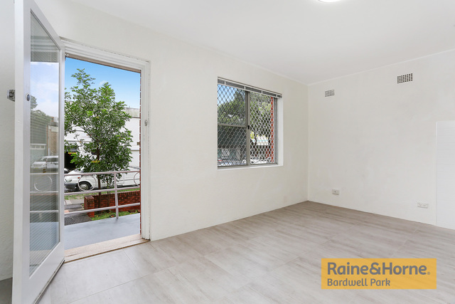 2/169 Willarong Road, NSW 2229