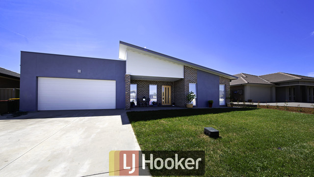 10 Angus Place, Bungendore NSW 2621
