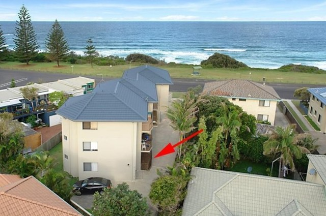 7/12 Pacific Parade, Yamba NSW 2464