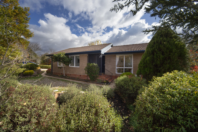 15 Sladen Place, Curtin ACT 2605