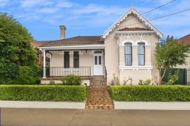6 Dougan Street, NSW 2131