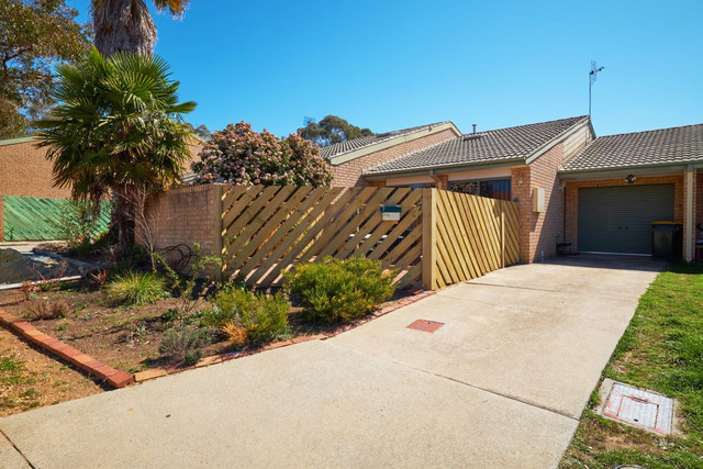 7 Charvin Court, Melba ACT 2615