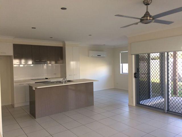 2/14 Promonotory Street, Birtinya QLD 4575