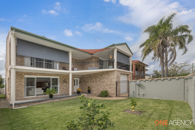 70 Lakeview Parade, Pelican NSW 2281