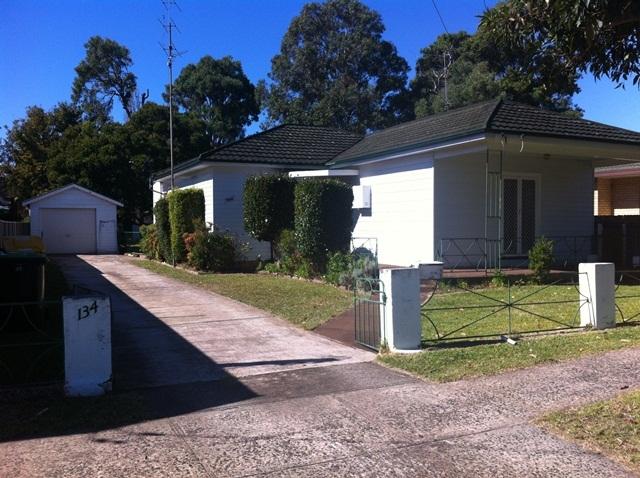 134 Central Avenue, Oak Flats NSW 2529