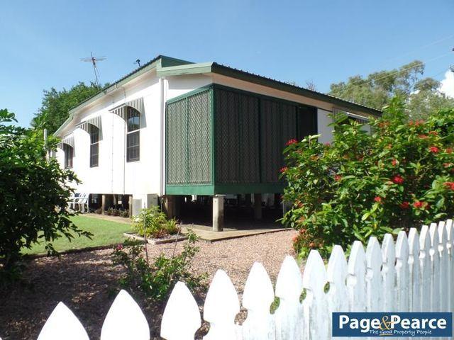 2 Atoll Street, Saunders Beach QLD 4818