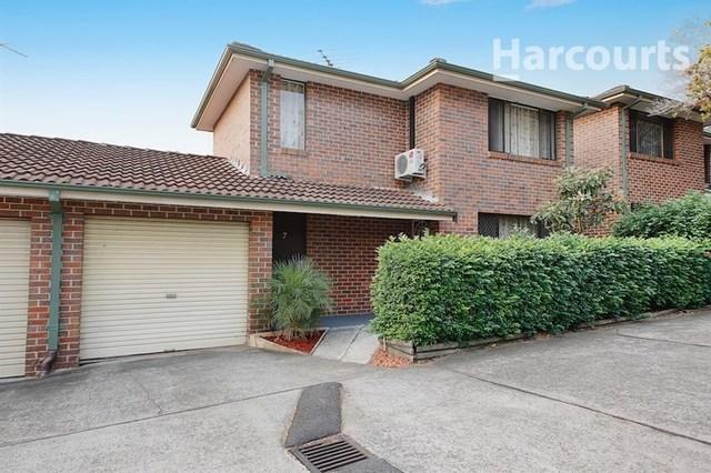 7/1 Mary Street, Macquarie Fields NSW 2564