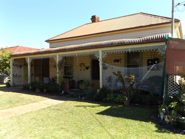30 Derry Street, Ganmain NSW 2702