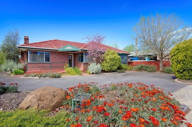 372 Urana Road, Lavington NSW 2641